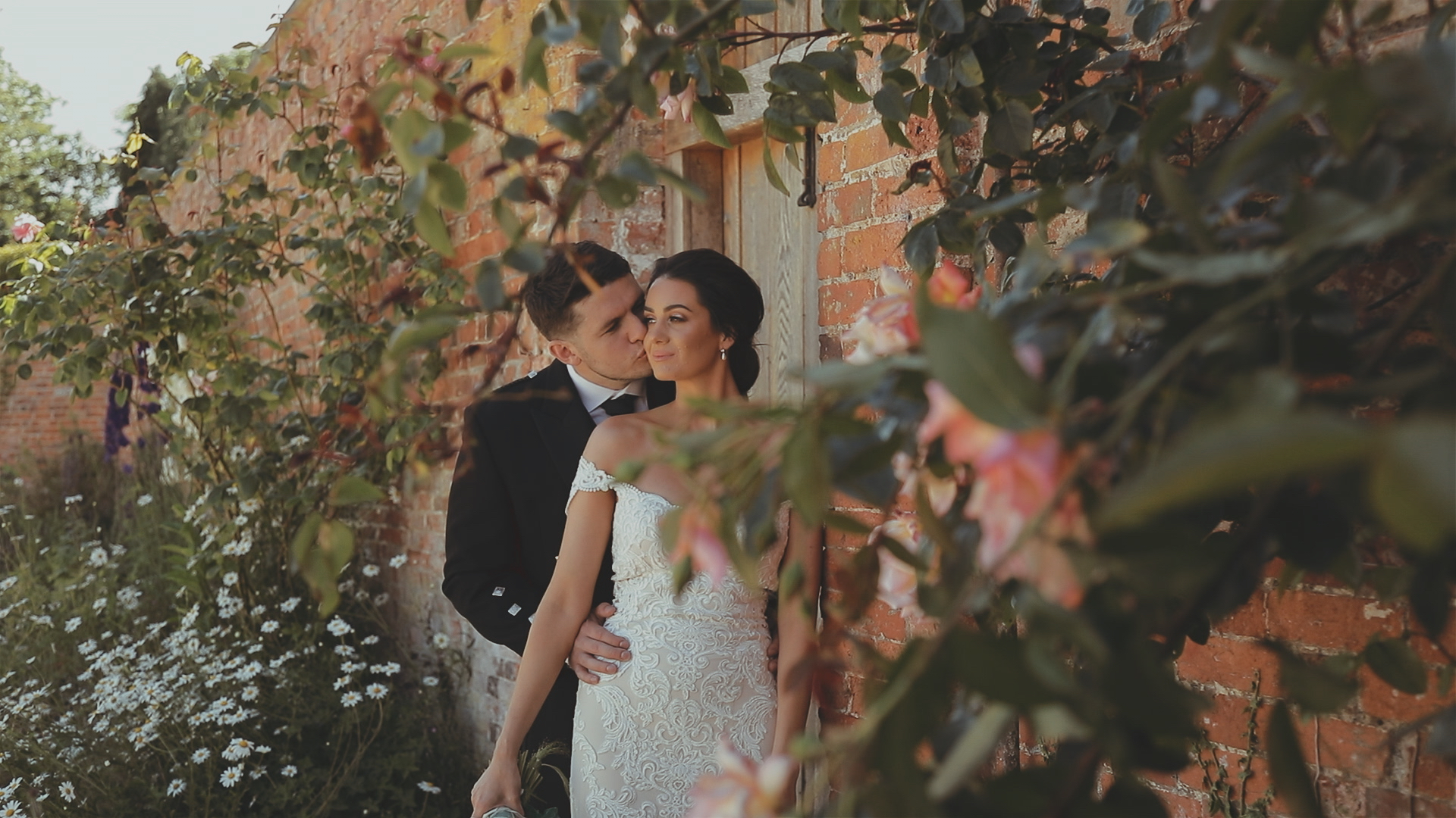 H&E rose cheek kiss
